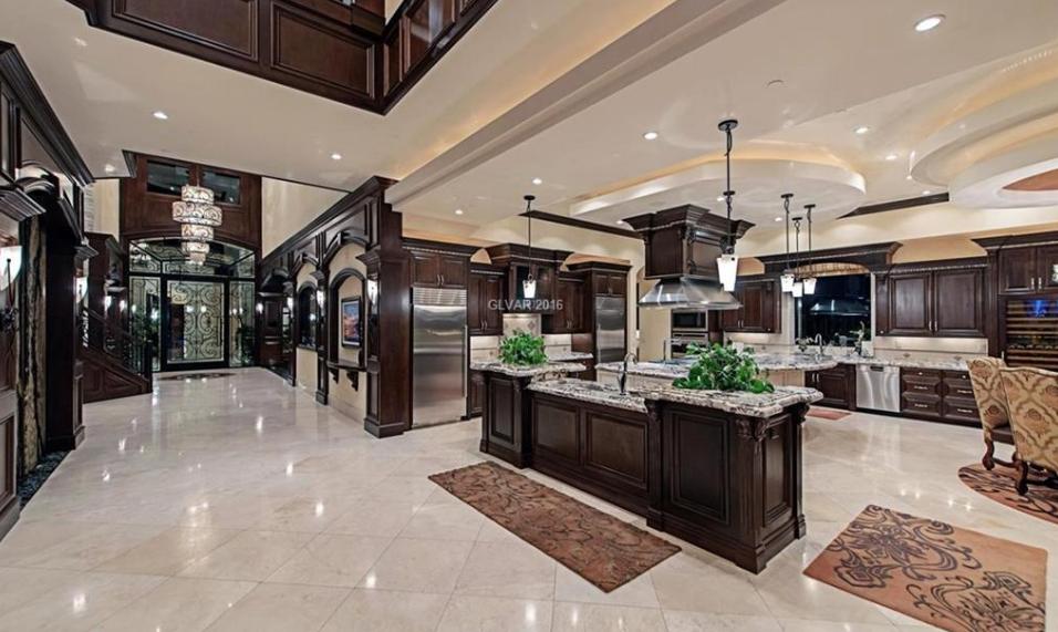 10 895 million mansion in las vegas nv luxury kitchens mansions luxury homes interior on kitchen interior luxury id=47029
