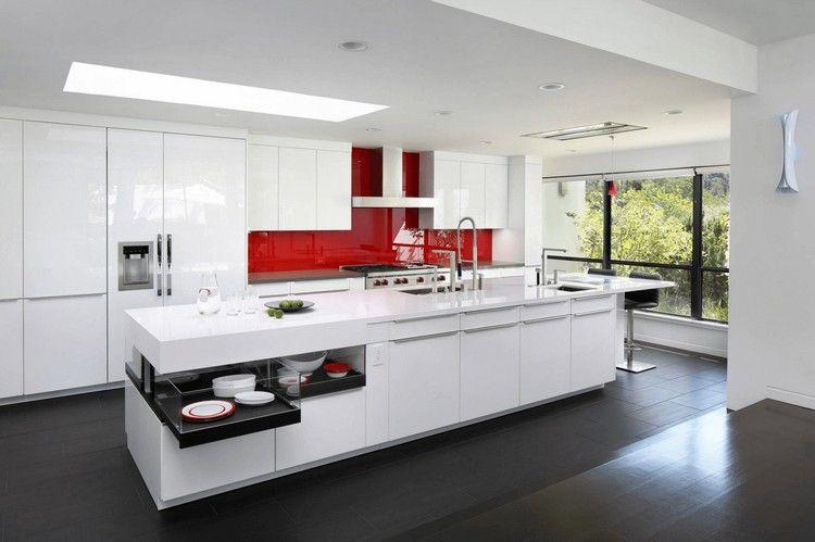 crédence adhésive en verre rouge vif, meubles de cuisine blanc neige ...