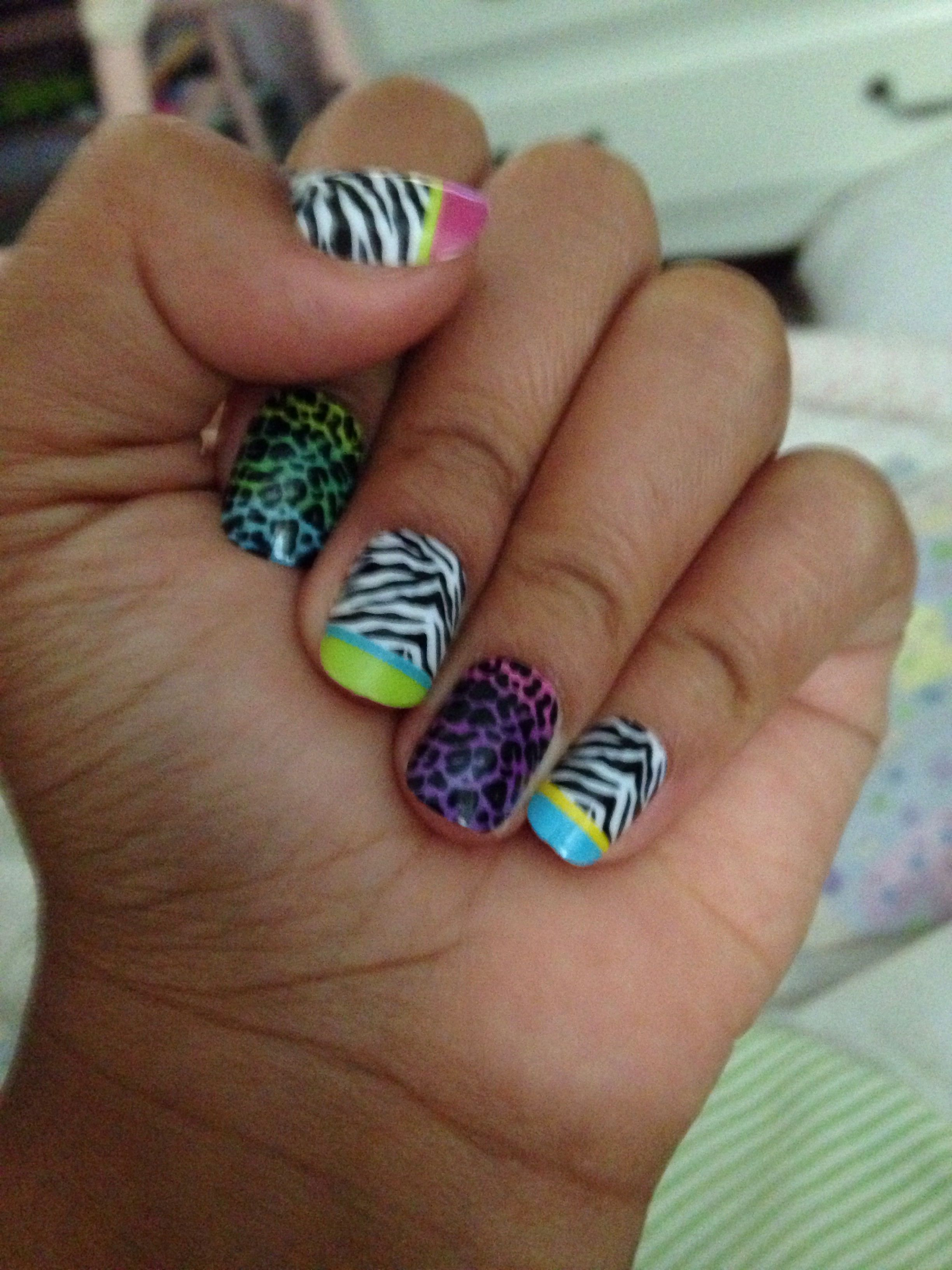 They are fake nails you can get them at justice animal print ...