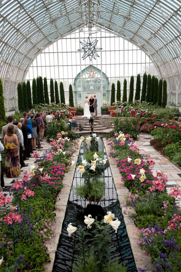 Botanical altar (Erin Johnson Photography) Minneapolis