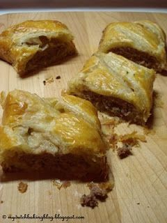 The Dutch Table: Saucijzenbroodjes (Dutch Sausage Rolls)