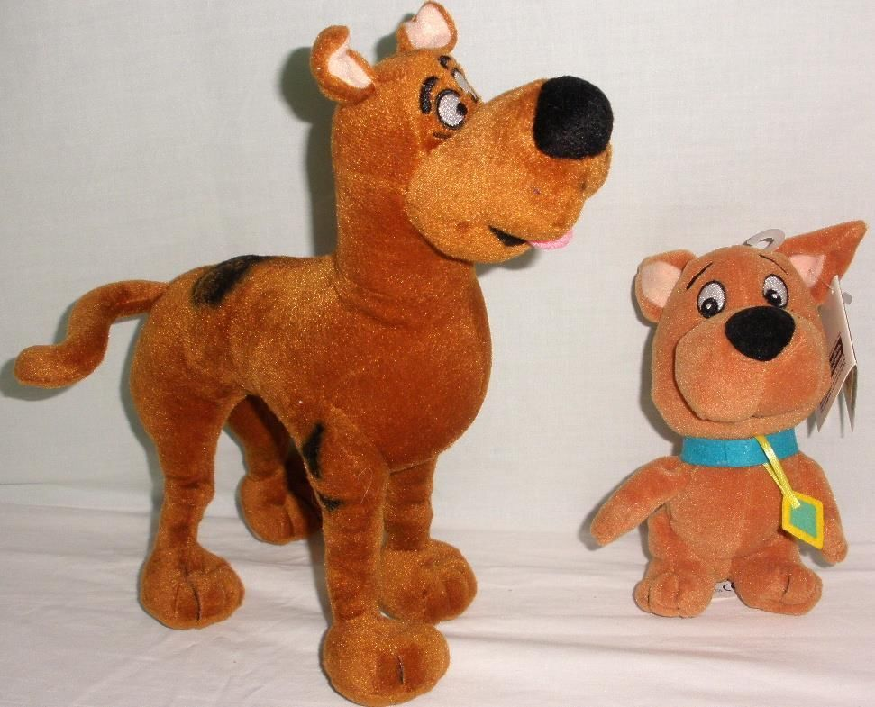 Scooby Doo Poseable Plush Doll With Warner Bros Studio Store