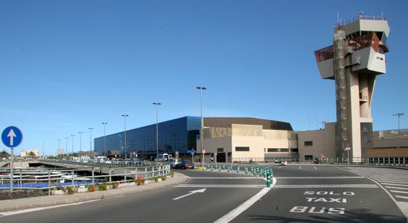 Gran Canaria Airport Lpa Street View Tower Outdoor Seating