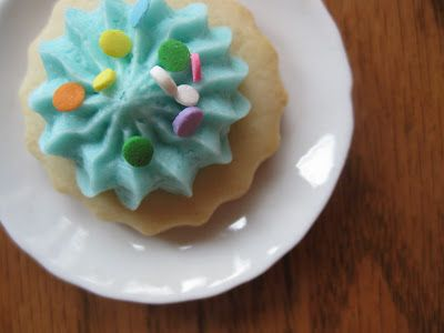 sugar cookie with buttercream frosting