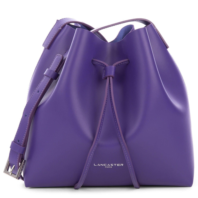 Purple bucket bag, Pur Smooth, lancaster Paris. #smooth #pur #leather #purple #bucketbag #bag #sac #bourse #accessory #winter #fashion #lancaster #lancasterparis
