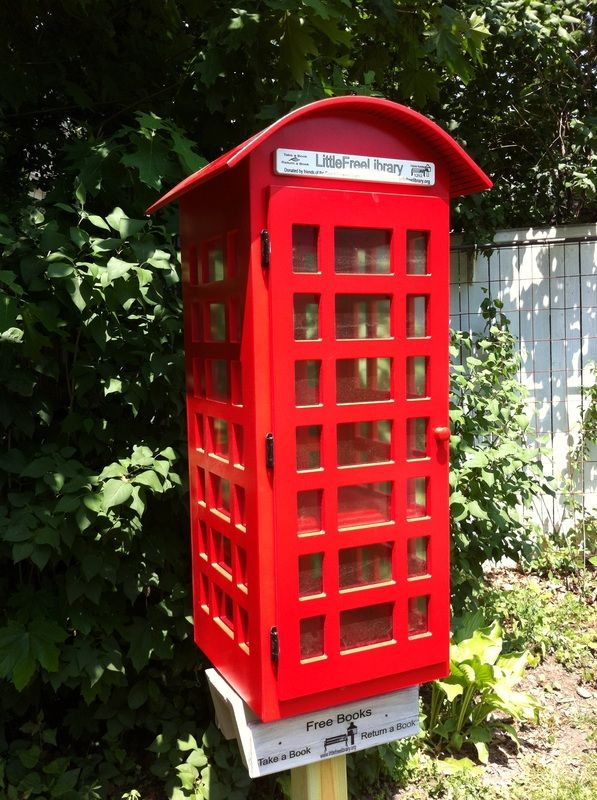 Little Red British Phone Booth Library: NEED.