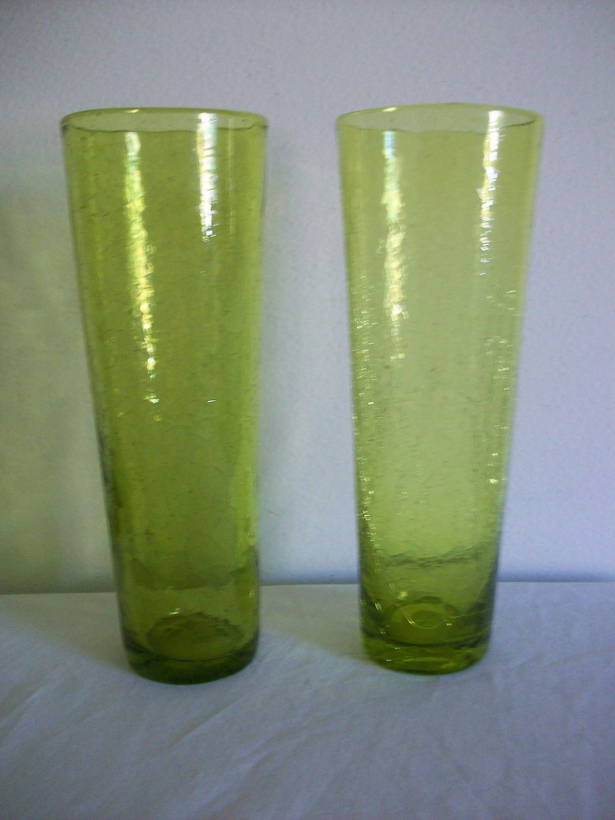 2 vintage light olive green crackle glass vases with pontil marks 2 vintage light olive green crackle glass vases with pontil marks i believe these were reviewsmspy
