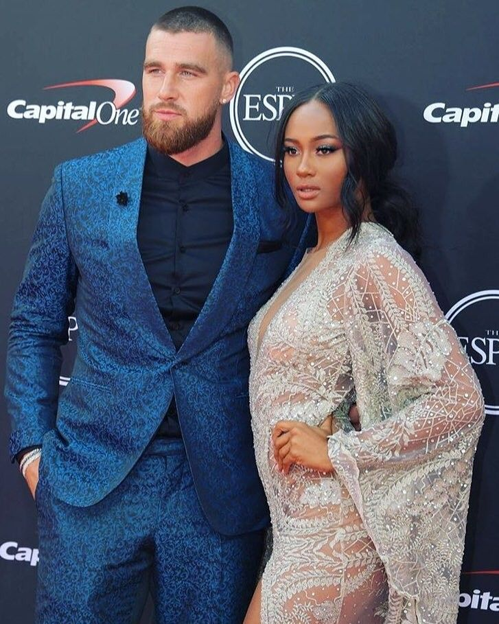 Hes Nfl Player Travis Kelce And His Girlfriend Kayla -8052