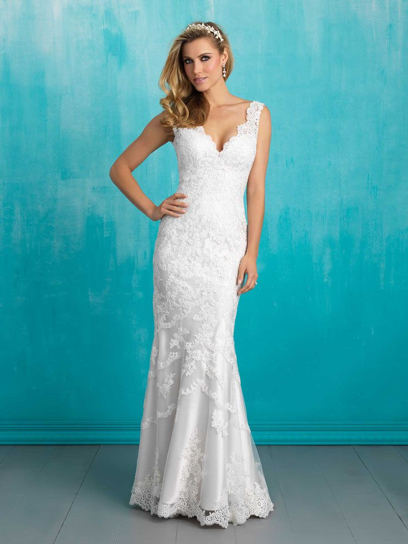 319 V Neck Sleeveless Slim Backless Lace Wedding Dress With Long Tail