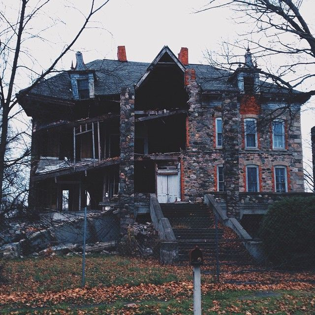 Leadmouth Sad When Old Houses Fall Apart At Fenton Michigan