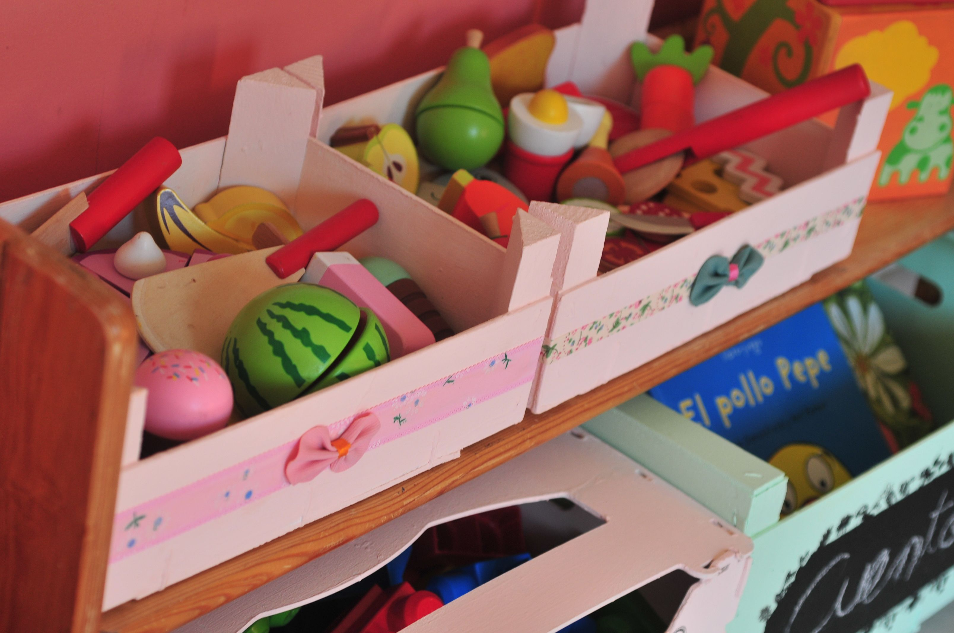 Cajas de fresas fruta madera diy reciclar cajas fresas - Caja fruta decoracion ...