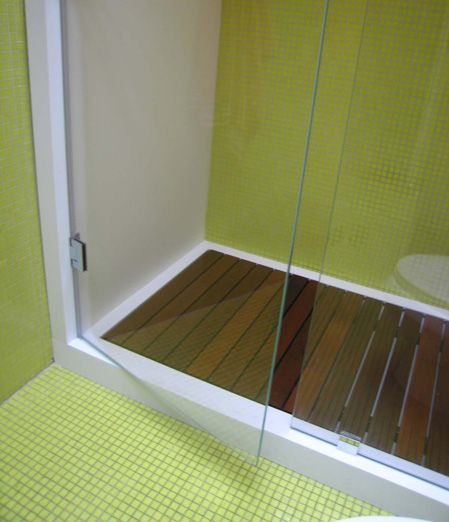 Corian Shower With Wood Floor And Tile Home Ideas Bathrooms Badezimmer Und Baden