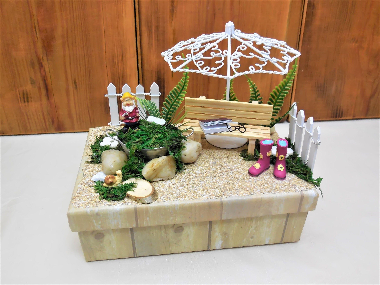 Gartenbox Ruhestand Geschenk Geschenkbox Rente Gutschein Verpacken Gartenarbeit Geldgeschenk Omaund Opa Einzugsgeschenk Geburtstag Table Decorations Decor Home Decor