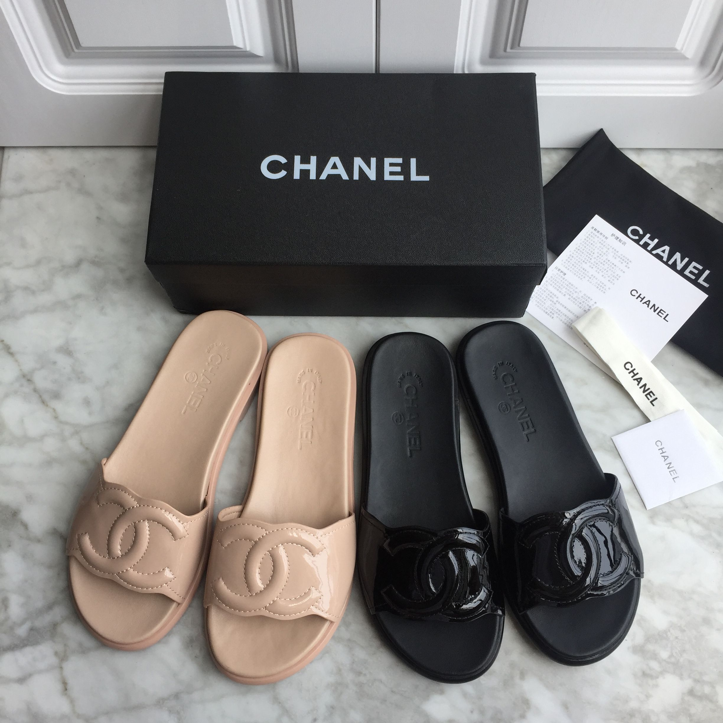 1efdd59cbbe0 Chanel woman shoes patent leather slippers slides