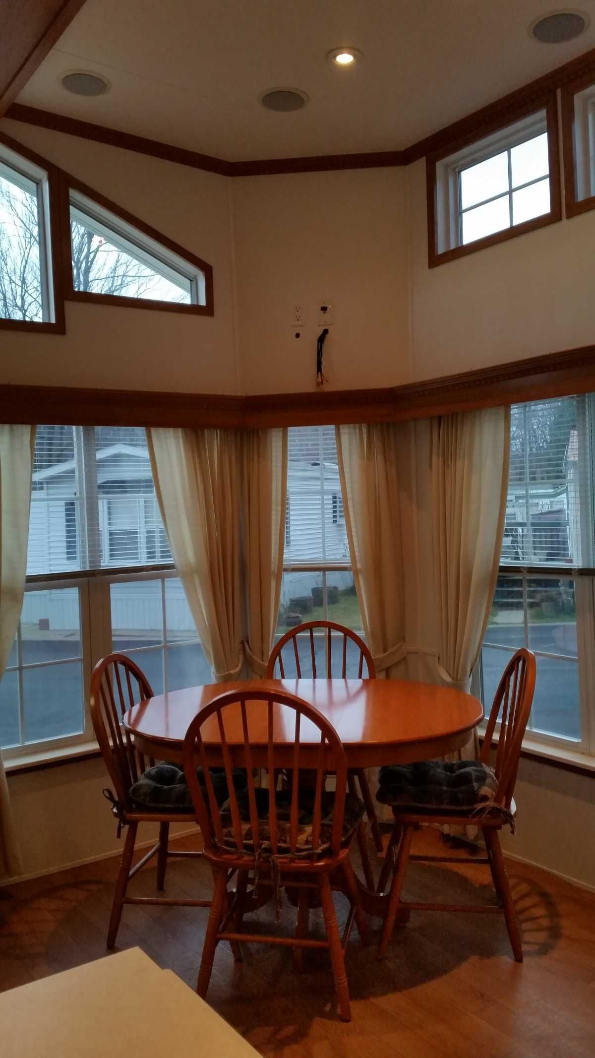 2004 Trophy Mobile / Manufactured Home in Spring Lake, MI