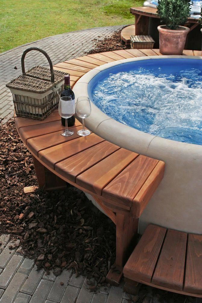 country cottage farmhouse hottubgazebo Whirlpool garten