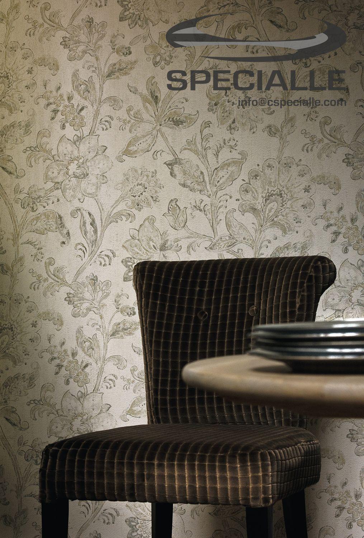 #Tapiz de #Vinil con base de Papel con diseño de #Flores, en color #Blanco con detalles en diferentes tonos de #Beige y #Grises. #Arquitectura #Decoracion #Interiorismo #Casa #Hogar #Ideas #InteriorDesign #HomeDecor #Wallpaper #Architecture #Design #Specialle