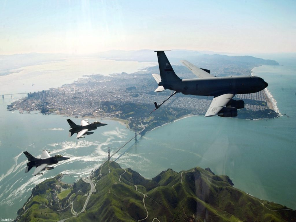 Aviones de transporte - fondos de pantalla: http://wallpapic.es/aviacion/aviones-de-transporte/wallpaper-23890