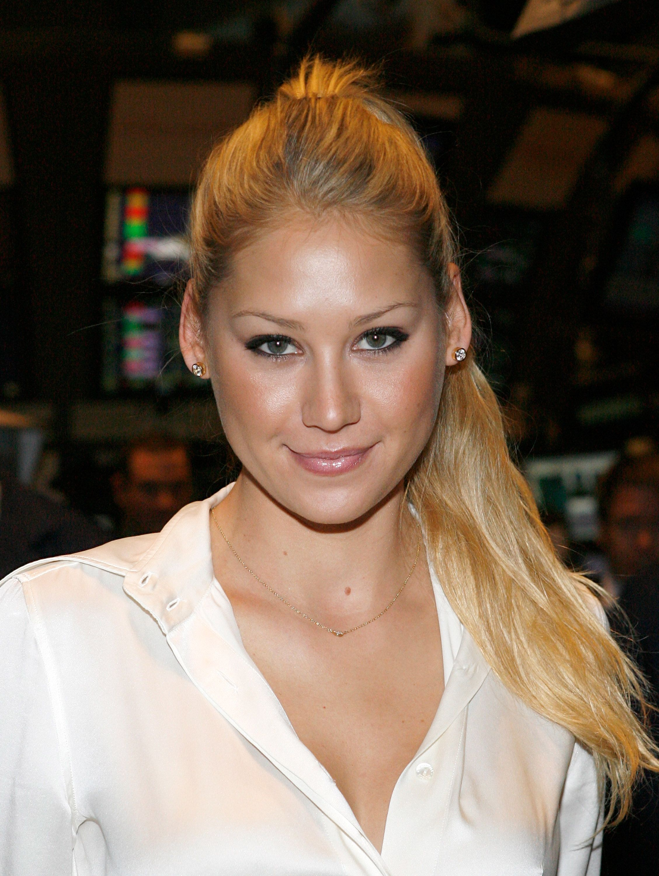 anna kournikova hair care