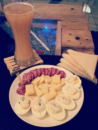 #aftertrain #eier #edelsalami #käse #toast #bananenweizen #alkoholfrei  #perfekt #jetztentspannen #selfmade #foodporn #antitütenkochen