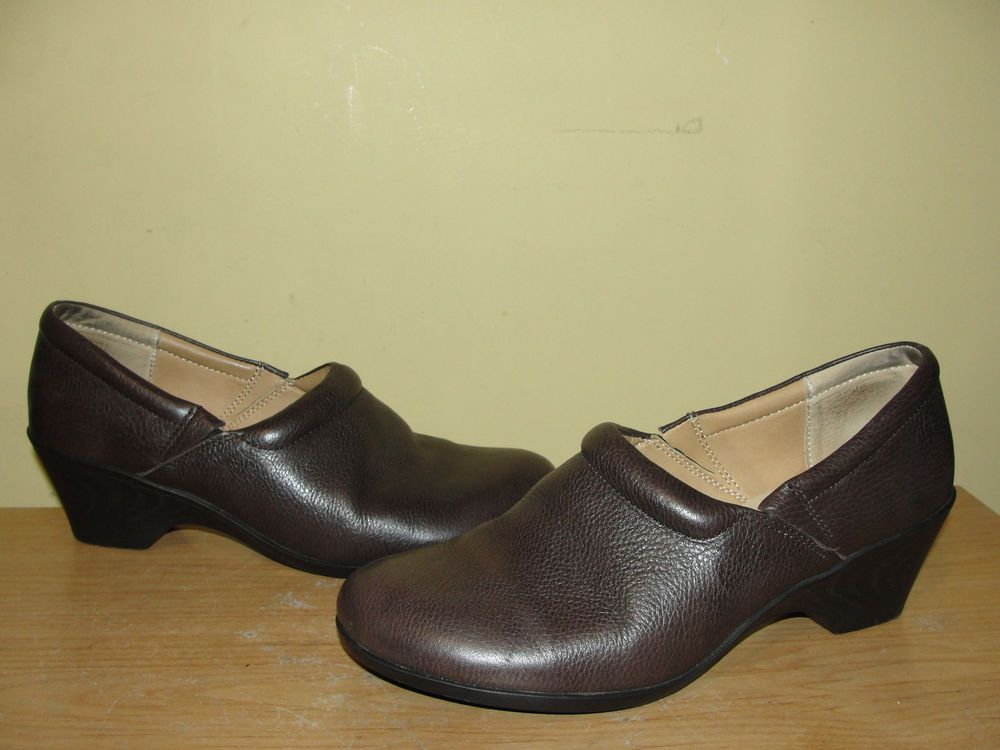 Softspots Women's Shoes Brown Leather Slip On Platform Moccasins Size 9.5 W