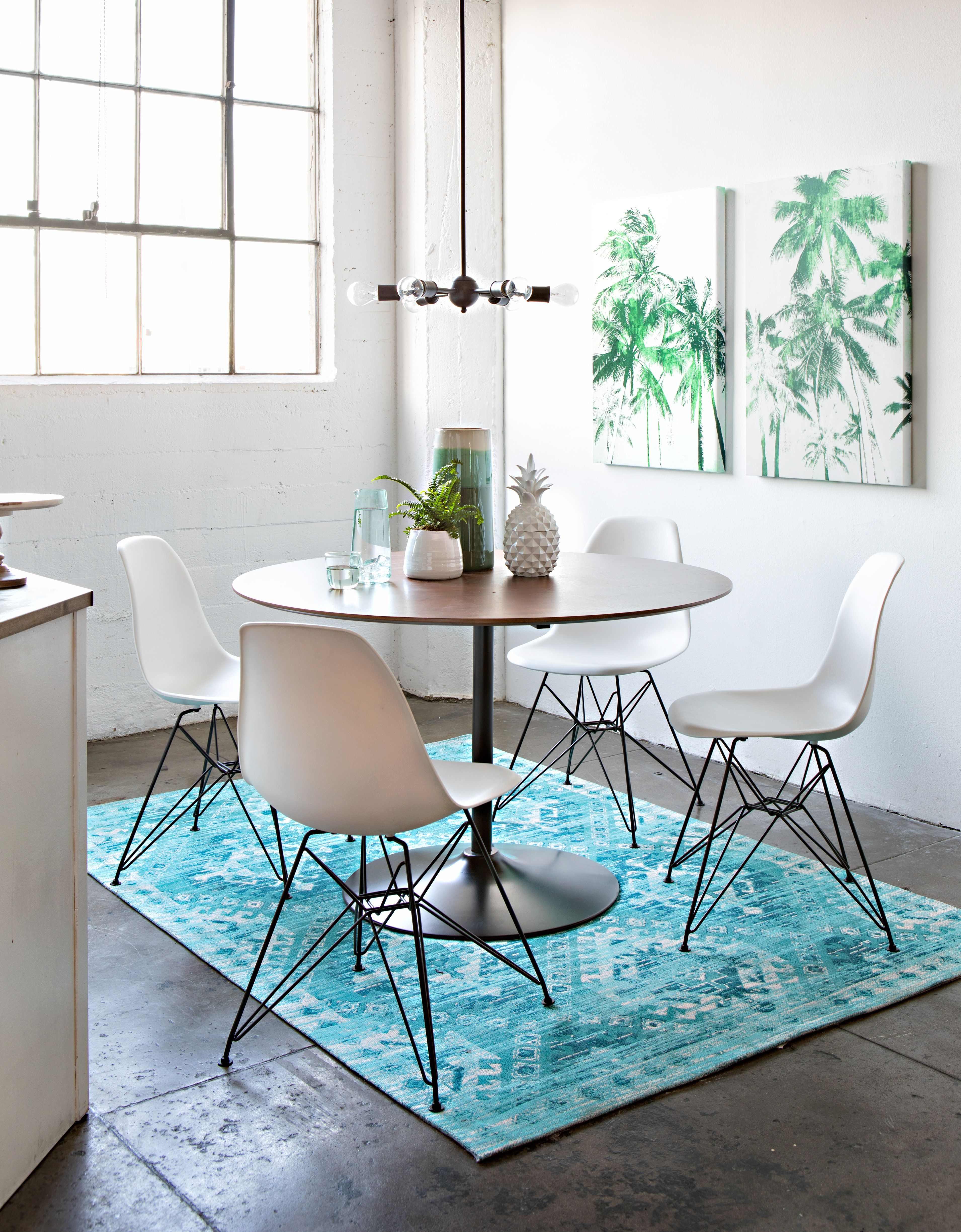 Loft Spaces Vespa 5 Piece Dining Set Every Meal Is Easy And Casual With Our Vespa Dining Table And Al White Side Chair Modern Dining Room Dining Room Design