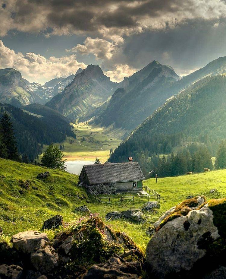 Una Fotografia Che Sembra Una Cartolina Lago Di Samtisersee Nel