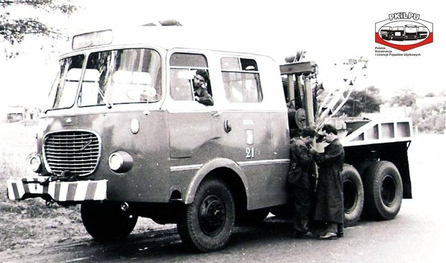 Woz Zabezpieczenia Technicznego Diamont 6x6 Zmodyfikowano Glownie Nadwozie Jelcza 272 Mex Holownik Nalezal Do Mza Warszawa Tow Truck Vintage Cars Wrecker