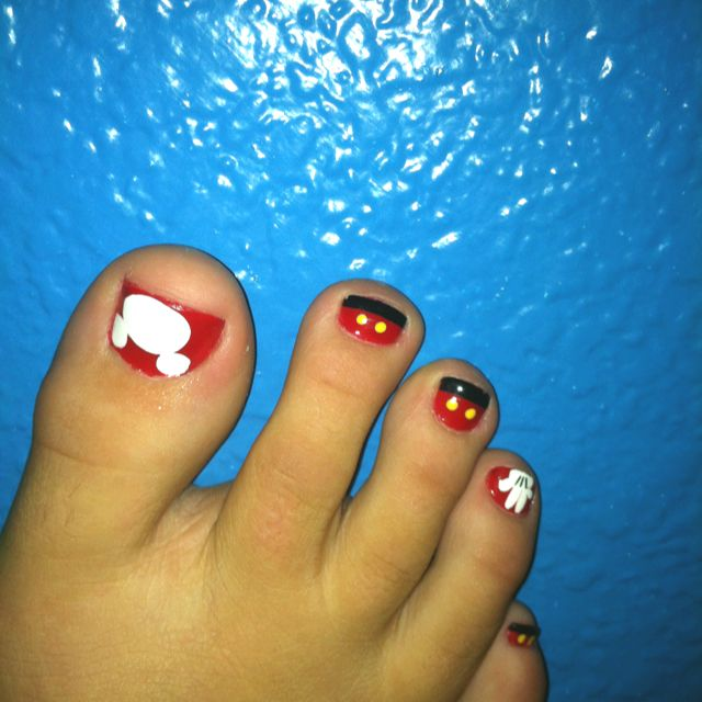 My Mickey mouse toes! | Cute Nails | Pinterest | Vaca