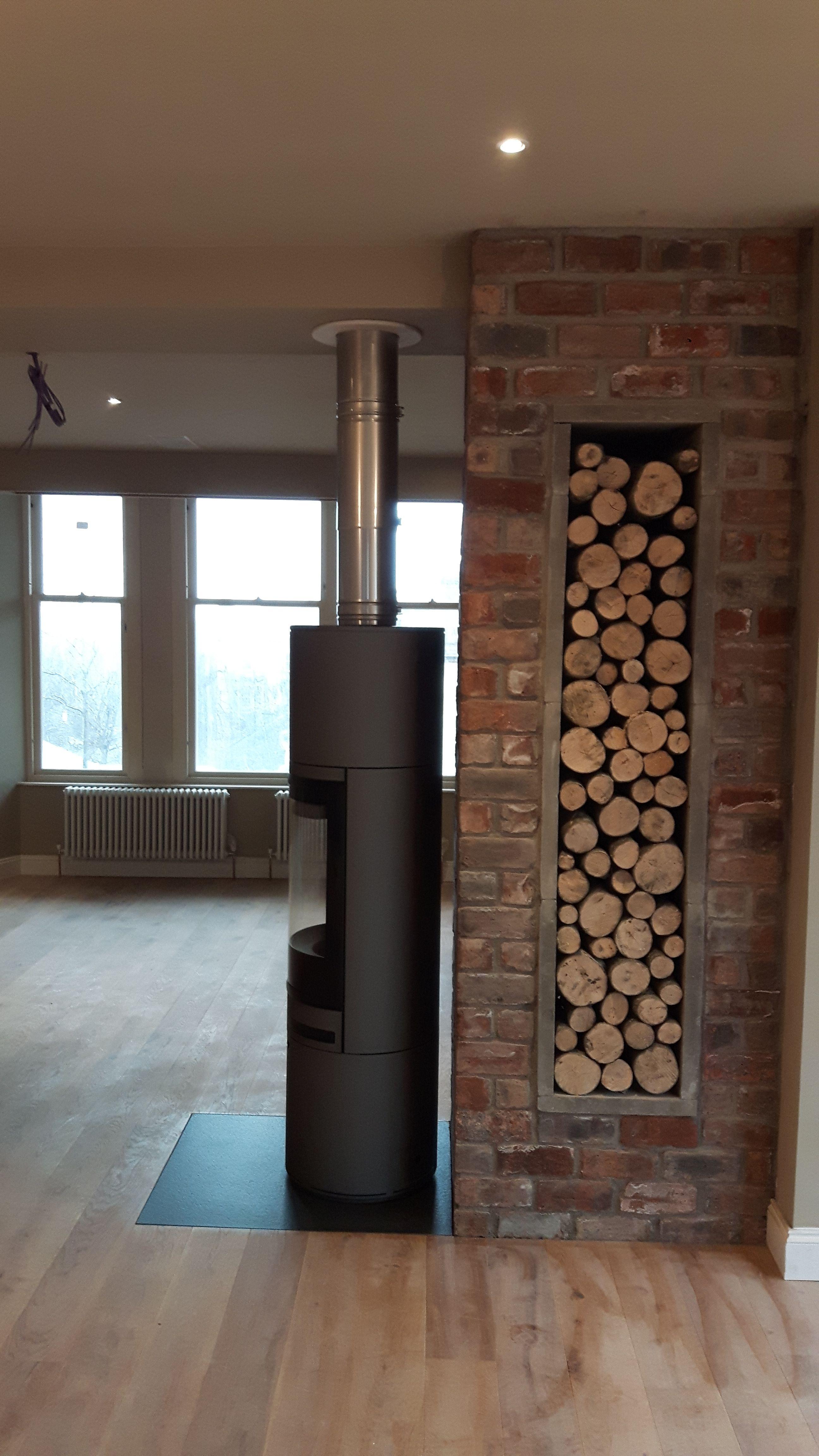 scan 85 and log store poele poele a bois bois et poele. Black Bedroom Furniture Sets. Home Design Ideas