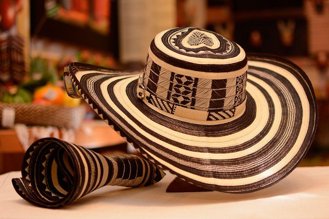 Sombrero vueltia.jpg (1080×721) | Sombrero vueltiao, Sombreros pintados a mano, Mochilas wayuu patrones