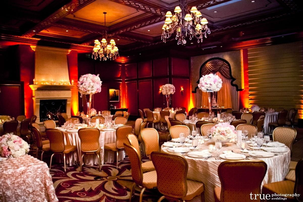 Rose Rouch Linens Dazzlelight Crushed Satin Linen Concepts Event Design Bob Hoffman Video Productions Caprice St Event Design Posy Flower Table Decorations