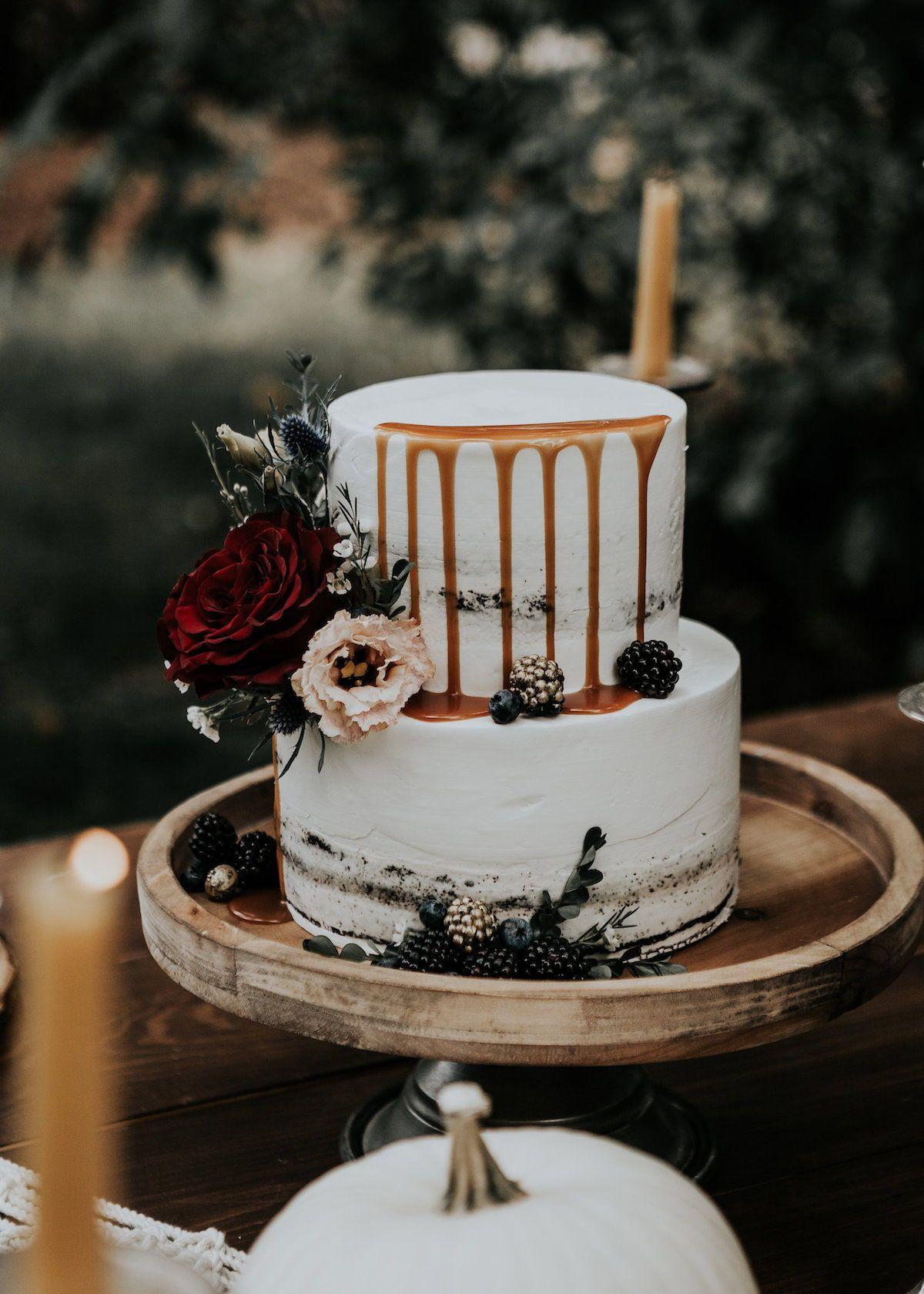 Lush Fall Wedding Inspiration With Macrame And Pumpkin Details Love Inc Mag Wedding Inspiration Fall Wedding Cake Toppers Fall Wedding Cakes
