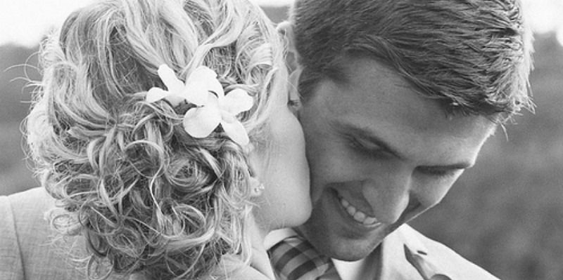 7 Undeniable, No-Doubt-About-It Signs He Loves You, Girl
