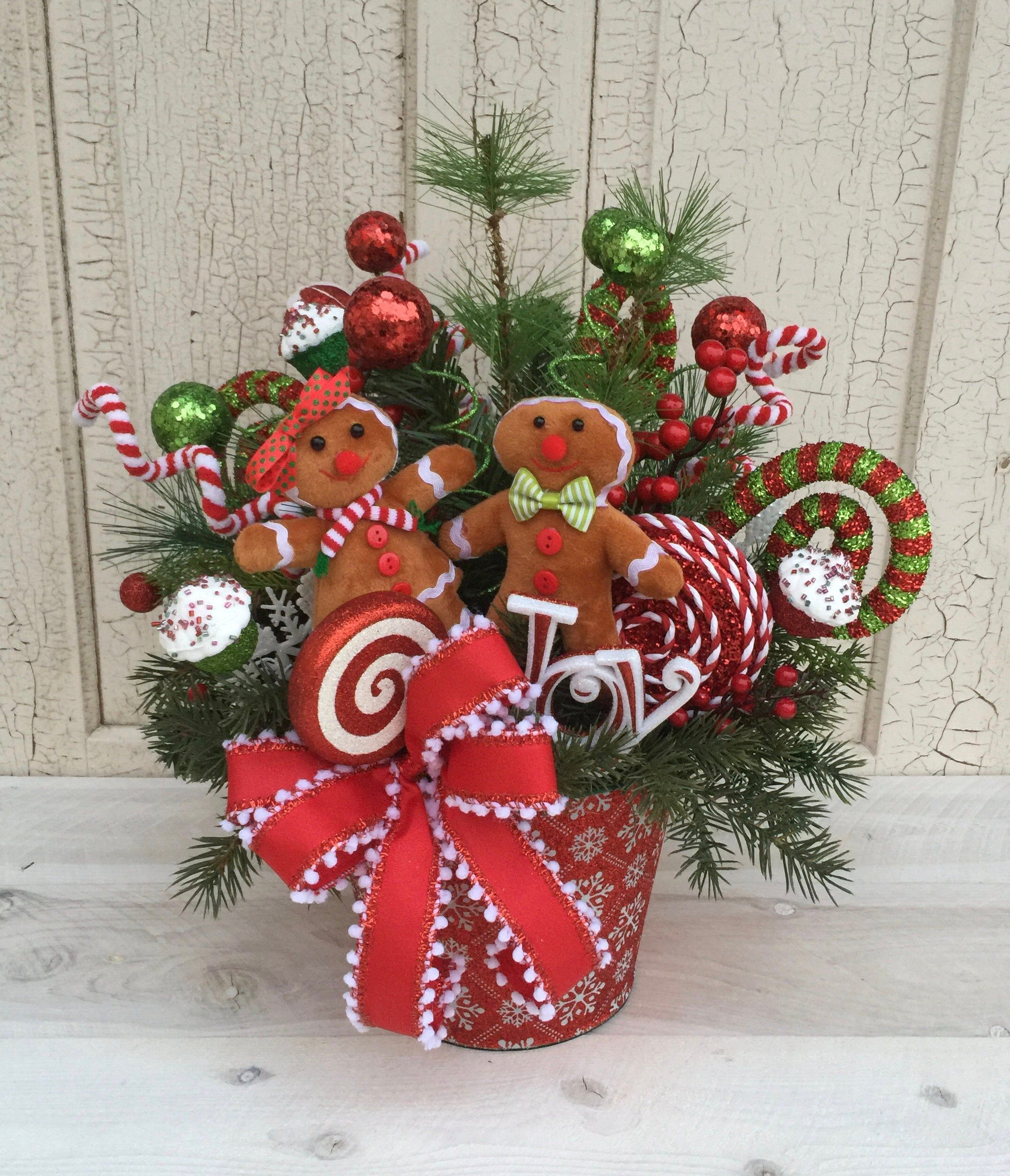 Christmas Gingerbread Centerpiece Christmas Table Centerpiece Christmas Floral Arr Christmas Flower Arrangements Christmas Floral Arrangements Christmas Floral