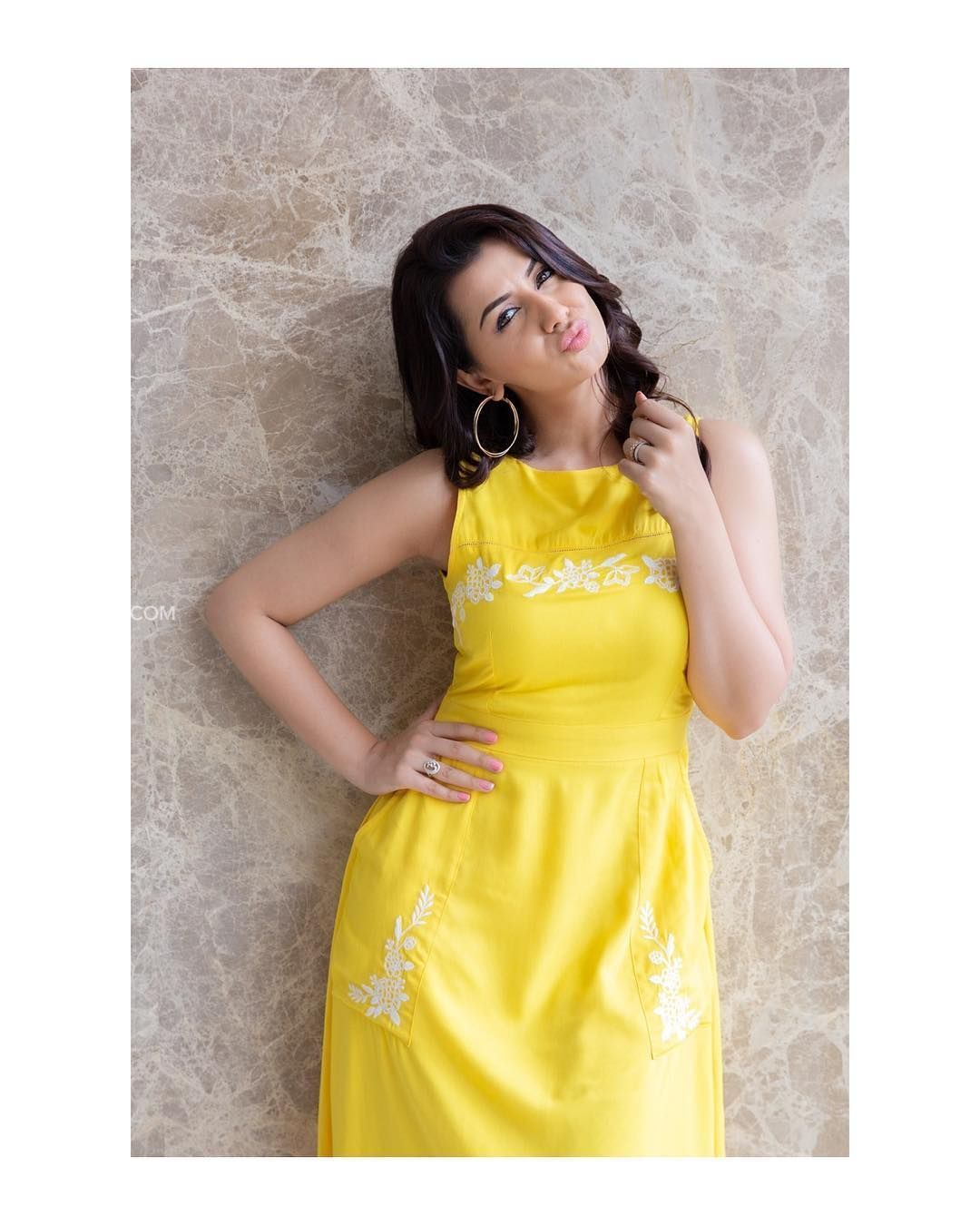 Photo of ✅[55+] Nikki Galrani Hot HD Photos & Wallpapers for mobile (1080p) (1080×1350) (2019)