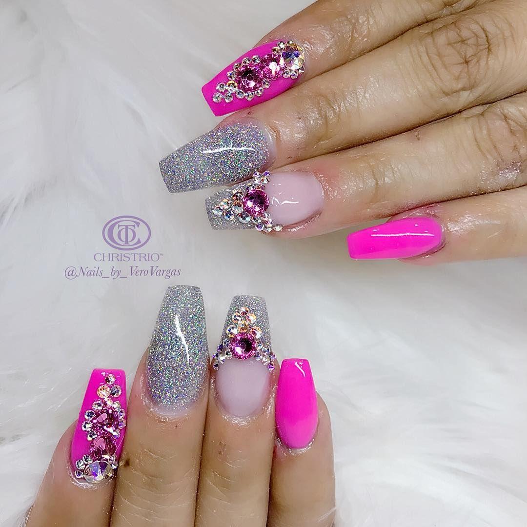 Pink day ! 💕#christrionails #3dnaildesign #3dnailart #showmethemani #3d #nails #nailart #nails2inspire #nailswag #nailstagram #nailsdesign #nailsofinstagram #nailsmagazine #swarovskinails #swag #swarovski #swarovskicrystals #notpolish #allacrylic