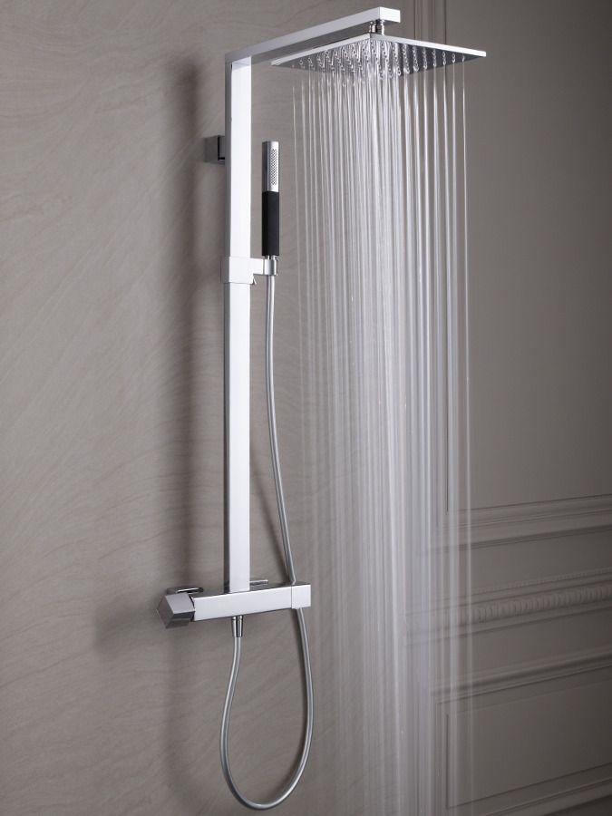 Une colonne de douche avec mitigeur thermostatique