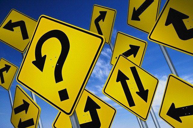 #AprendiendoAManejar» Cambiar el recorrido: Uno de los consejos más importantes al aprender a manejar un automóvil, una vez que lo domines, el paso siguiente es el cambio de recorrido; bien sea cambio de canal o las bifurcaciones. Sí conoces la carretera visualízala, de esta manera, no tendrás miedo a imprevistos y aprenderás nuevas cosas. Pero si no la conoces, maneja despacio para que el cambio no te tome por sorpresa. #VictoriaFM #TuRadioVialInformativa