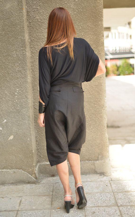 NUEVA colección - suelta gota nuevo Maxi Casual pantalones de harén de entrepierna.  Suelta detrás gota entrepierna harén pantalones casuales - pantalones ancho increíblemente cómodos, convenientes para el uso diario.  Puede combinarse con una túnica ajustada o amplia o una blusa, usted parecerá extravagante y usted se sentirá increíble.  Hechos de algodón suave, conveniente para la temporada.  Tamaño S, M, L, XL...   Para XL más entonces en contacto conmigo  100% lino  Cuidado Lavado a mano…
