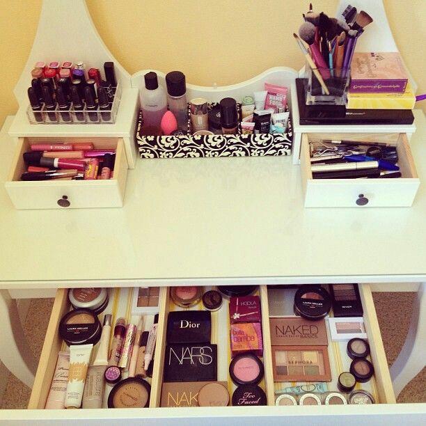 Captivating Makeup Vanity Desk