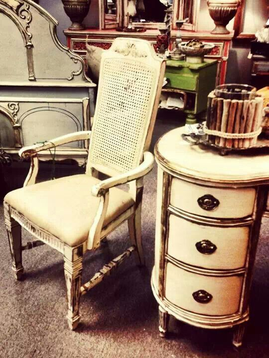 Vintage chair and desk painted with Creamy Linen by Farmhousepaint.   Farmhousepaint.com