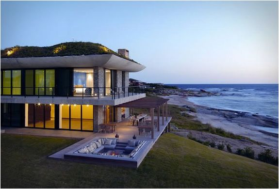 This is a truly remarkable private retreat on the beach in the village of Faro Jose Ignacio, Uruguay. The house is 20 miles from Punta del Este, it was designed by Uruguayan architect Carlos Ott, who has designed some of the world´s most famous structures, including the Paris Opera House. The Playa Vik is one of his rare residential projects, besides the amazing views overlooking the South Atlantic, the house combines contemporary decor with an artistic touch. The site has six individual…