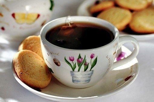 Фото к рецепту: Печенье к чаю за 15 минут!