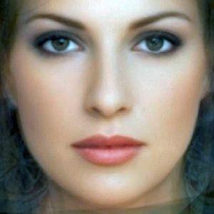Good looking greek women