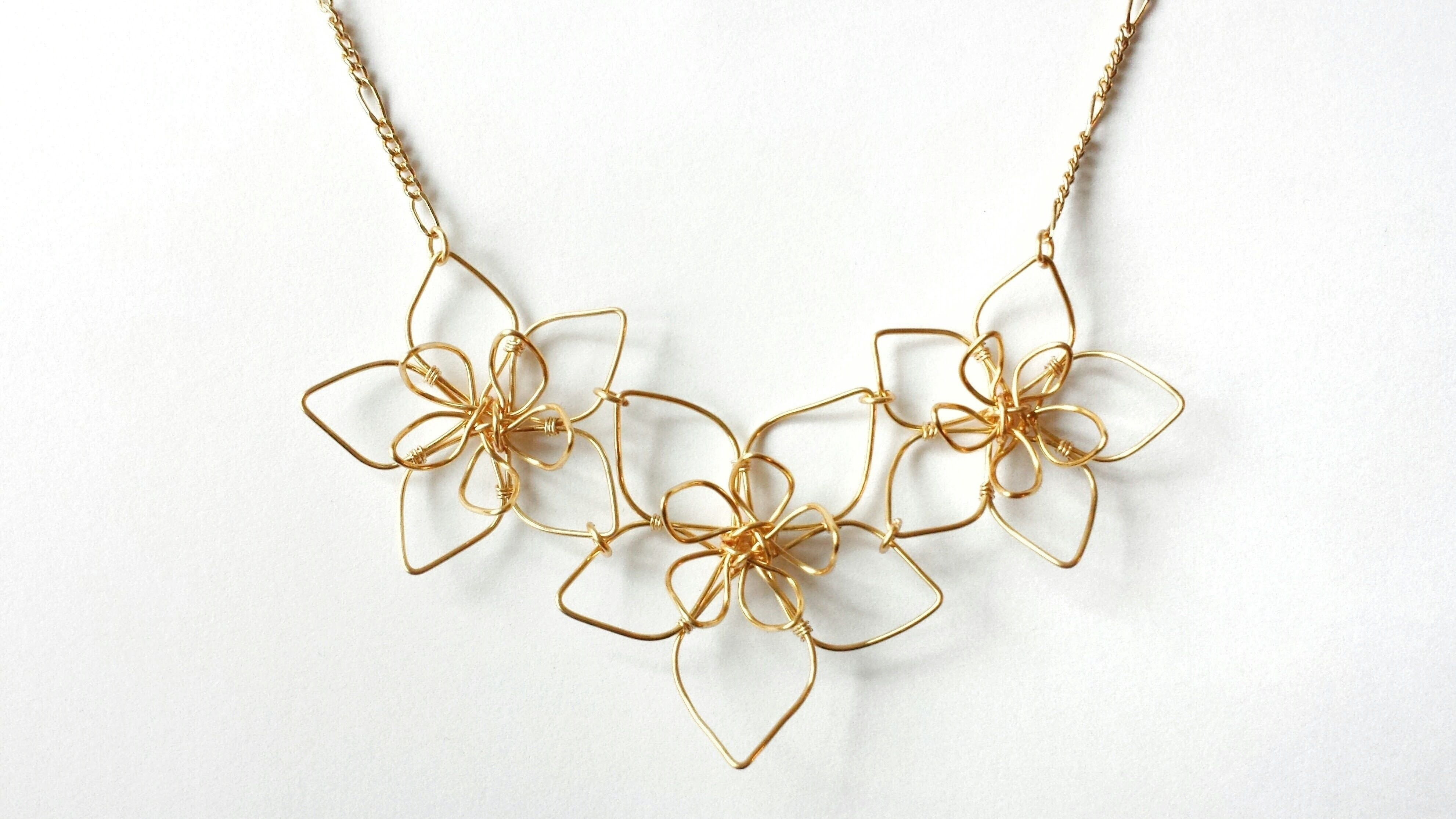 Wire Flower Necklace Wire Flowers How To Make Necklaces