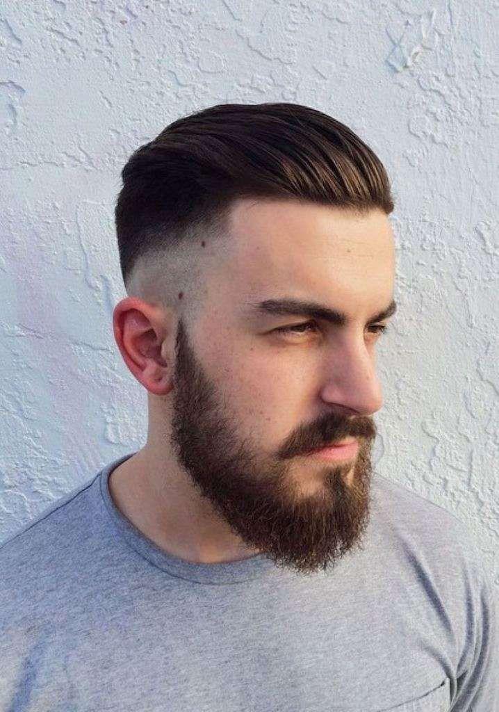 Tagli di capelli uomo all'indietro