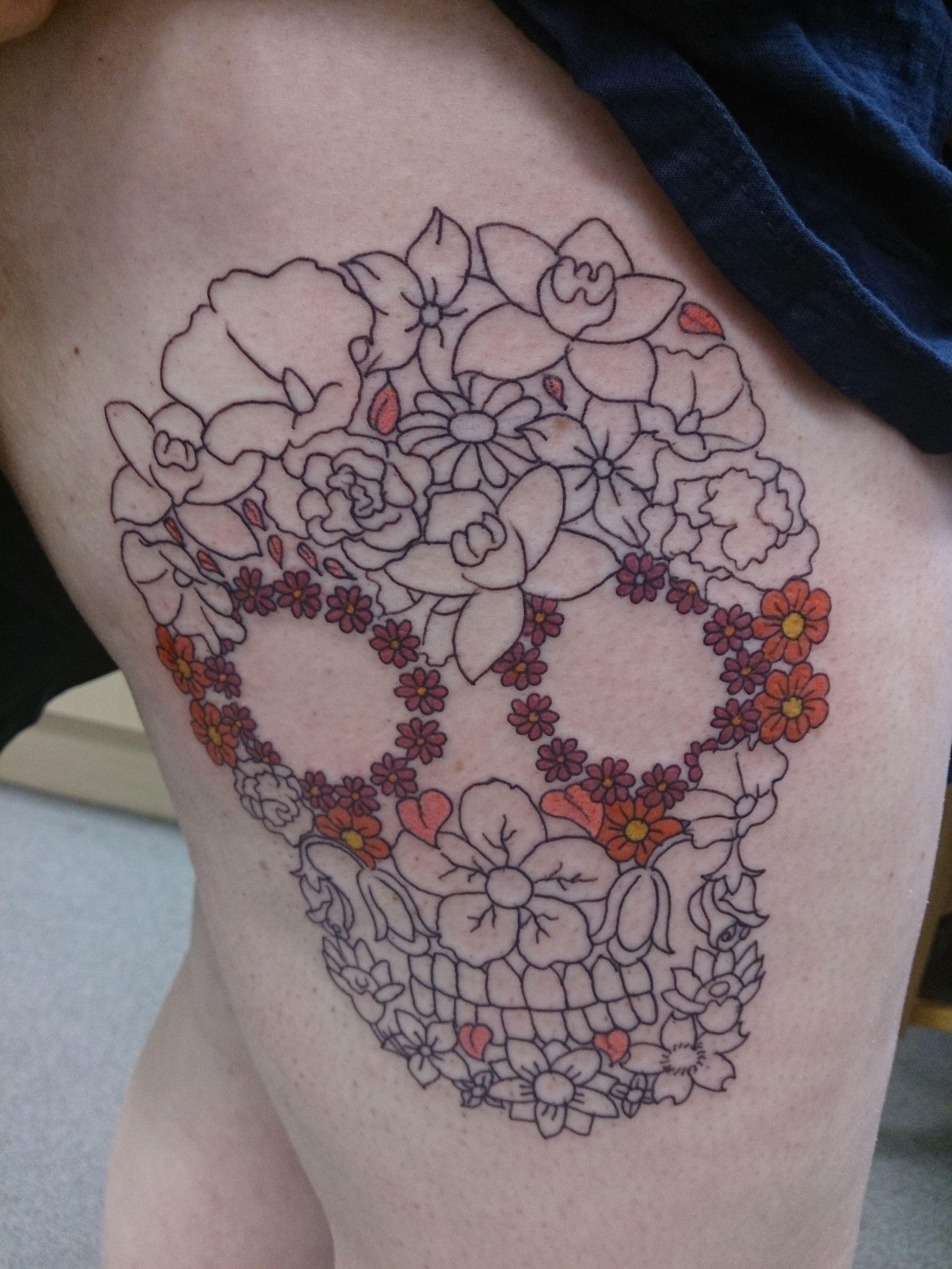 skull flowers tattoo thigh piece Inspiration Tattoos ∞ Pinterest