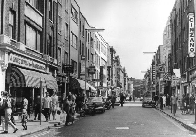 21 Old Pictures Of Soho You Simply Must See Compton Street Soho London London