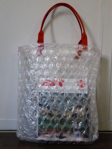 einzigartige Handtasche gefertigt aus Luftpolsterfolie